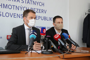 Premiér Igor Matovič a minister financií Eduard Heger.