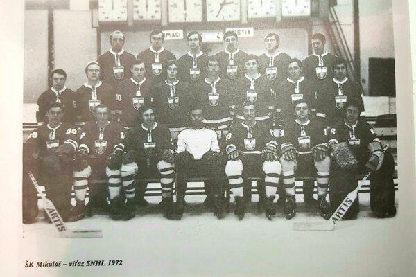 ŠK Lipt. Mikuláš ako víťaz SNHL v roku 1972. Ivan Bobula stredný rad druhý z prava.