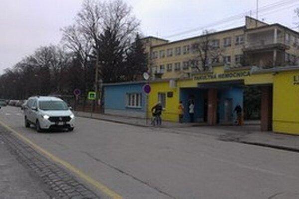 Nemocnica  v Trnave podala na nespokojnú pacientku žalobu za poškodzovanie dobrého mena.