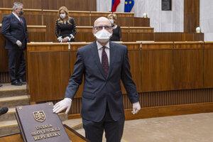 Poslanec SaS Alojz Baránik počas ustanovujúcej schôdze.