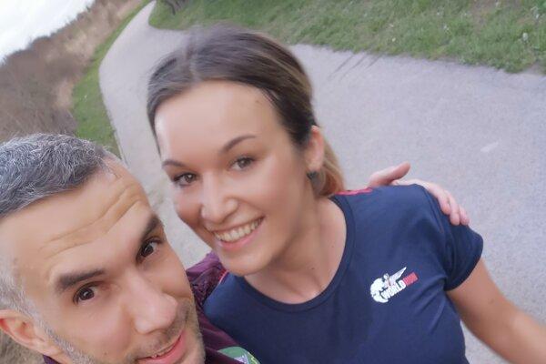 Gabriel Švajda so svojou snúbenicou Jankou.