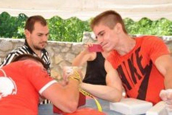 Adam Adamov (vpravo) sa pýši niekoľkonásobným titulom juniorského Majstra Slovenska.