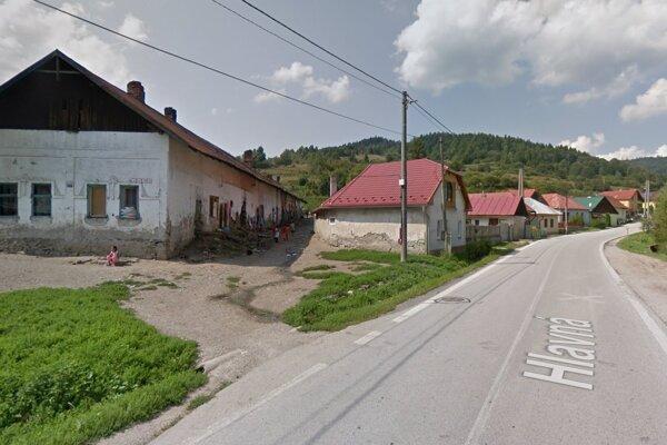 Hlavná ulica v Nálepkove. Podľa slov starostu došlo k útoku v osade Mašinka priamo v intraviáne obce.