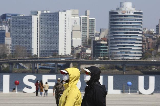 Južná Kórea oznámila 39 nových prípadov nákazy koronavírusom.