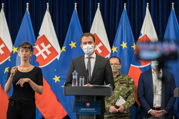Barbara Randušková tlmočí slová Igora Matoviča.