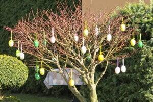 Veľkonočný strom vo Svätom Kríži.