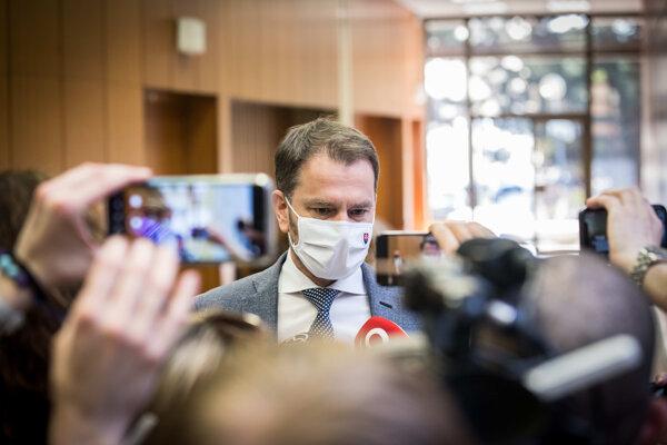 Premiér Igor Matovič odpovedá na otázky pred rokovaním vlády.
