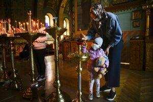 Pravoslávni veriaci slávia Veľkú noc.
