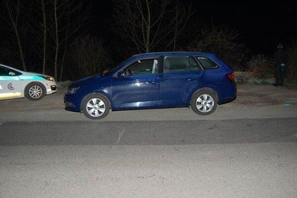 Vysvitlo, že vozidlo bolo odcudzené v Českej republike.