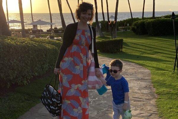Marina so synom Timurom počas dovolenky na Maui.