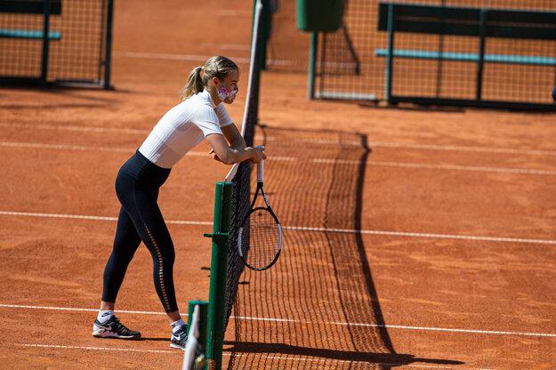 Karolína Schmiedlová na tréningu.