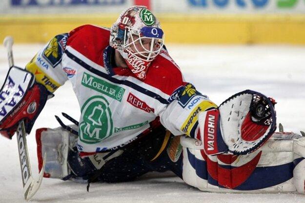 Ján Lašák v drese Pardubíc počas sezóny 2004/2005.