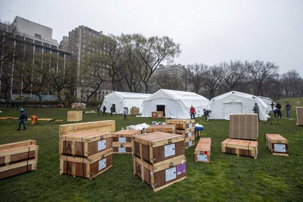 Pohotovostná poľná nemocnica v Central Parku v New Yorku.