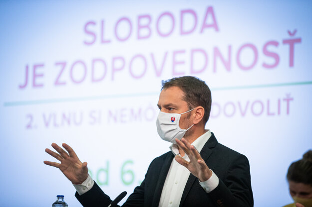 Predseda vlády Igor Matovič počas tlačovej konferencie po stretnutí s konzíliom odborníkov – epidemiológov na tému: Druhú vlnu epidémie si nemôžeme dovoliť.