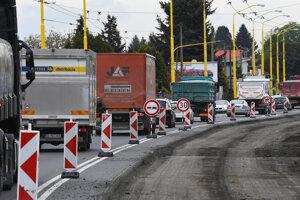 Oprava cesty I/18 medzi Prešovom a Hanušovcami nad Topľou prinesie veľké dopravné obmedzenia.
