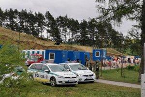 Karanténne mestečko v susedstve sídliska ešte zostáva. V ňom je 100 ľudí.