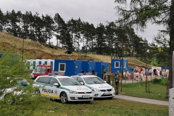 Karanténne mestečko v Žehre v susedstve sídliska ešte zostáva. V ňom je 100 ľudí.