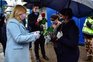 Prezidentka Zuzana Čaputová poďakovala ľuďom pôsobiacim v žiarskej osade.