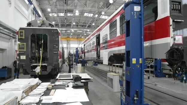 """ŽOSka práve """"oživuje"""" nové elektrické vlaky, ktoré budú mať od leta základňu vŽilinskom kraji."""