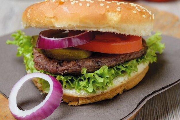 Hovädzí hamburger v obloženej žemli