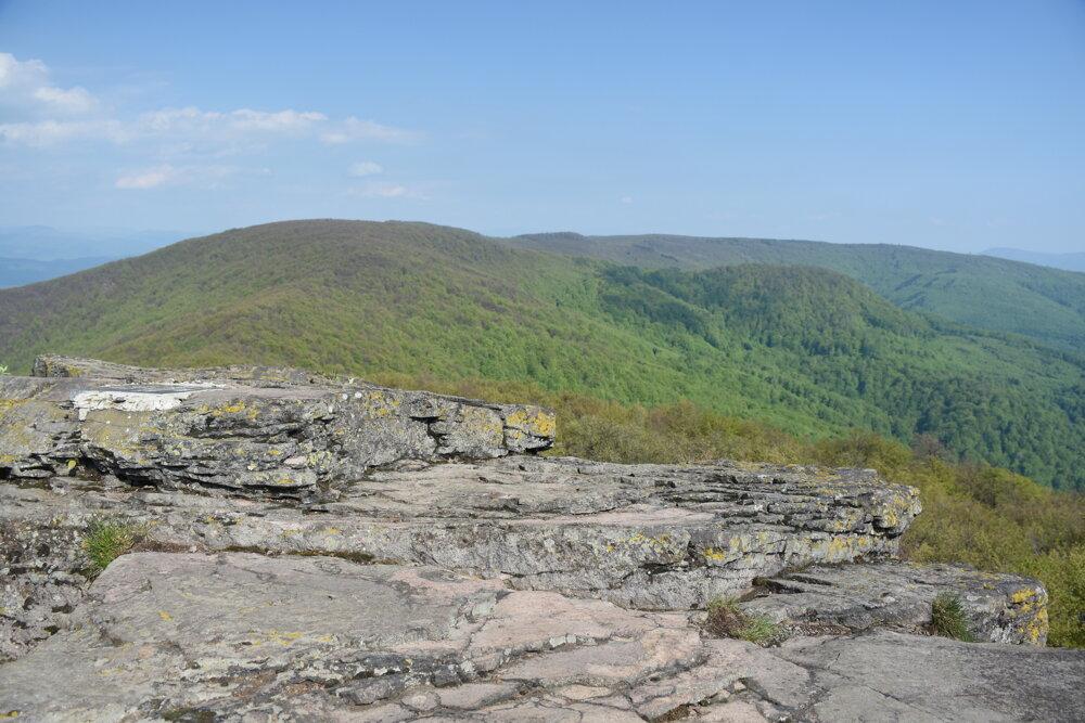 Výhľady z malého Sninského kameňa.
