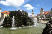 Dočkáme sa otvorenia Hodinovej veže, spustenia fontány a MDD.