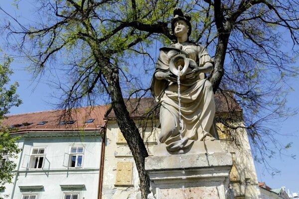 Fontána Žena s krčahom.