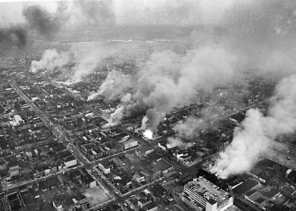 5. apríl 1968. Na severovýchode Washingtonu horeli celé štvrte.