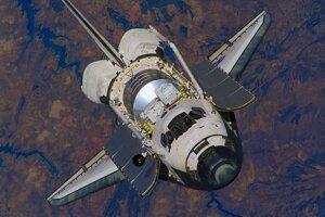 Družicový stupeň raketoplánu Discovery, ktorý pilotovali astronauti.