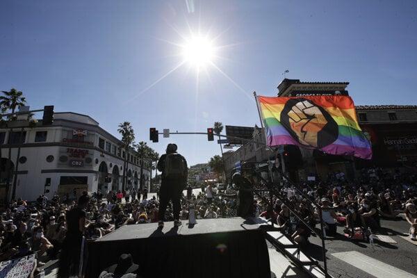 Protest proti zabitiu Georgea Floyda v Los Angeles.