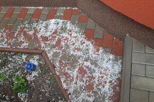 V Bardejove padali aj krúpy.
