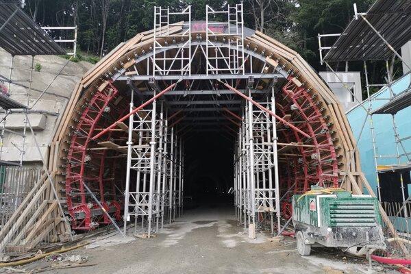 Rúry tunela Prešov boli prerazené o tri mesiace skôr, ako bolo plánované.