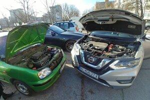 Pri štartovaní auta pomocou káblov je dôležitým správny postup.