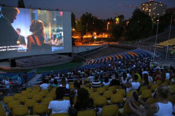 Letné kino v Amfiku.