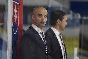 Tréner hokejistov do 18 rokov Ivan Feneš.