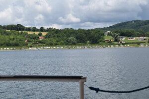 Domaša: Pohľad z lode na Novú Kelču.