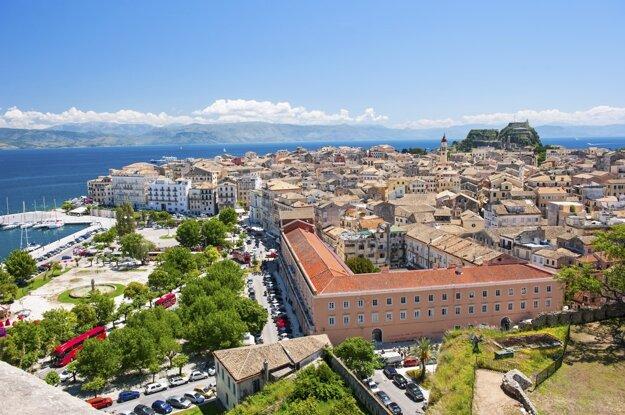 Pohľad na panorámu mesta Korfu