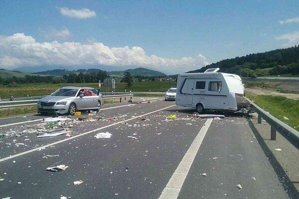 Nehoda sa stala pri Ivachnovej.
