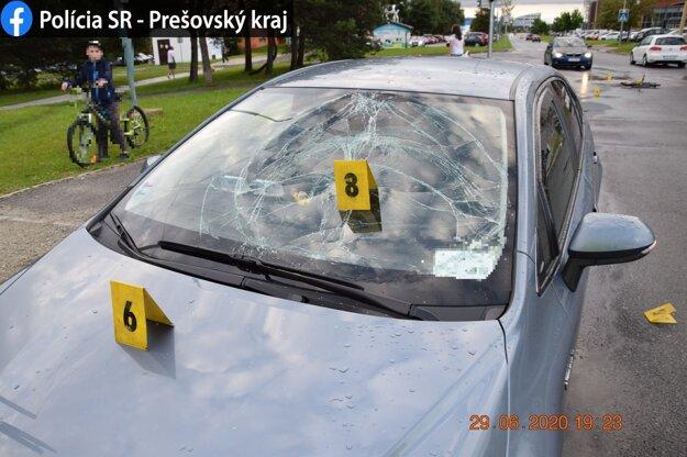 Pondelková nehoda na Uherovej ulici v Poprade.