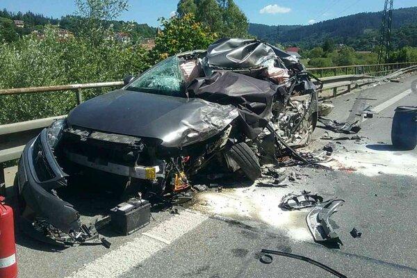Dnes došlo v Kysuckom Lieskovci k ďalšej tragickej dopravnej nehode.