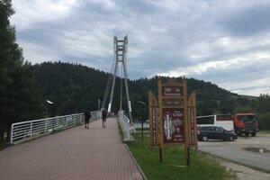 Cez lávku sa dostanete do poľskej časti národného parku Pieniny.