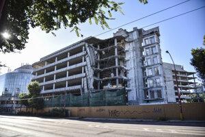 Asanácia budov bývalého komplexu Apollo Business Center na Prievozskej ulici v mestskej časti Ružinov v Bratislave.