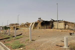 Zničená budova jadrového zariadenia v iránskom Natanze.
