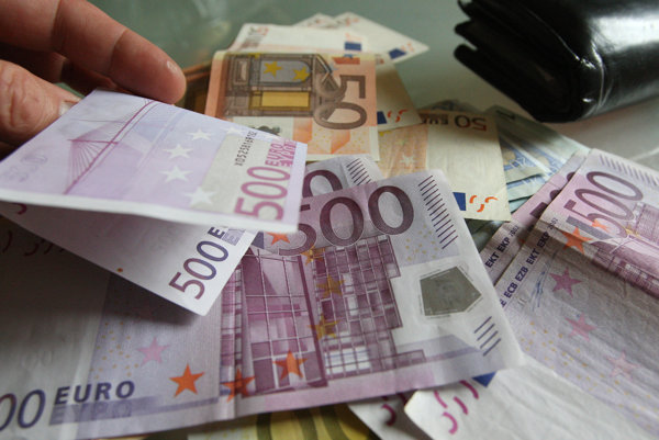 Dlžníci Prievidzi nezaplatili na daniach a poplatkoch skoro dva milióny eur.