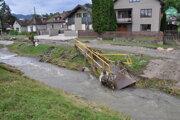 Zasiahnuté dediny sa budú z povodní spamätávať dlho.
