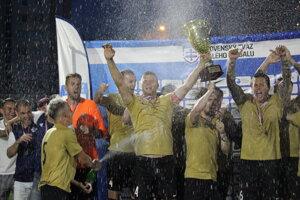 Košičania sa radujú z majstrovského titulu po víťazstve 6:3 nad Prešovom vo finále SZMF Superligy.