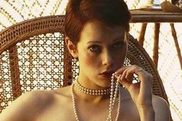 Sylvia Kristel vo filme Emmanuelle.