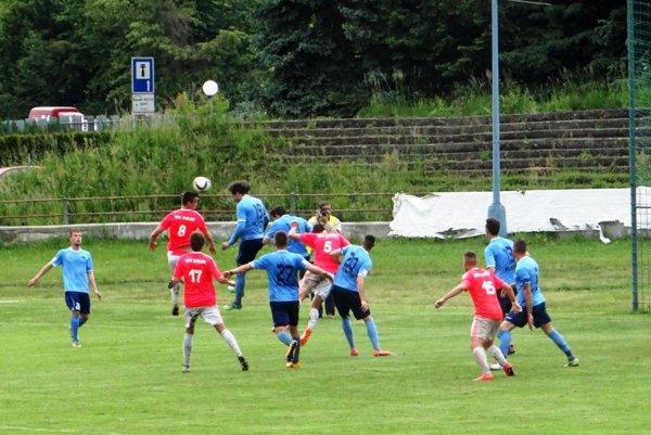 Pred rokom sa súboj Zvolena s Nitrou odohral ešte na staručkom futbalovom štadióne, ale ten je aktuálne v rekonštrukcii.