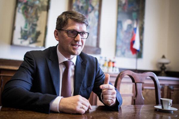Minister kultúry Marek Maďarič hovorí, že by bol spokojný aj ako radový poslanec v parlamente.