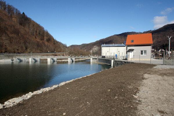 Na Hrone sú už teraz viaceré vodné elektrárne.